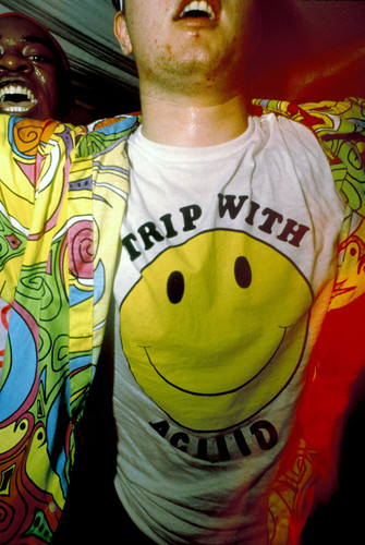 Looking back rave culture pymca photographic youth for Acid house raves 1980s